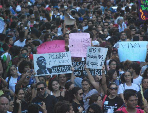 Mais de 70 mil pessoas foram às ruas em defesa da Educação Pública