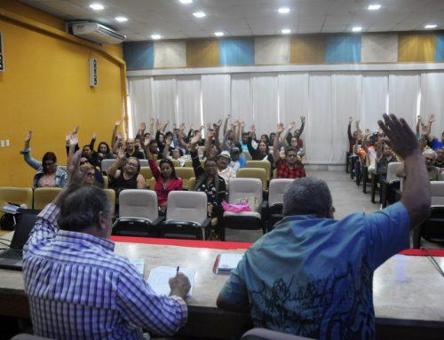 Paralisação de 6 de agosto e greve no dia 13 são aprovadas em assembleia